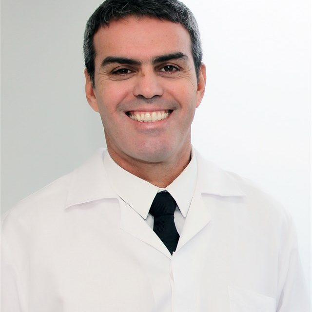 DR. MAURO DEOS Porto Alegre, Brasil